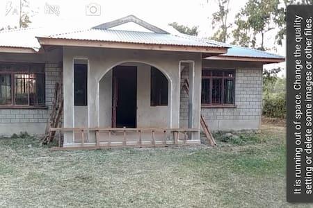 Sudi kwa Mama