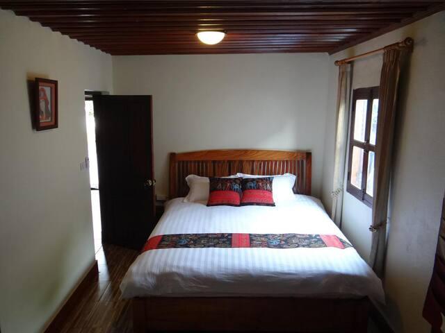 Khoun Phet Guesthouse - Standard double room