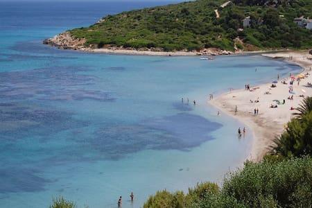 Villetta in riva al mare. - Maladroxia