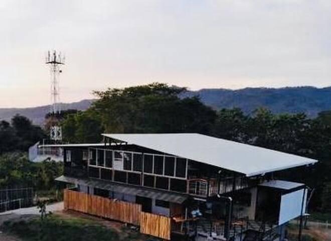 Casa Tuanis
