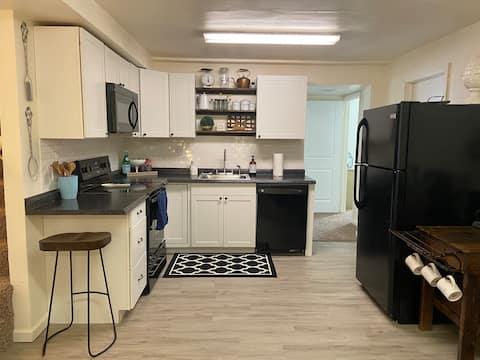 Cozy & Convenient with Cottage Charm