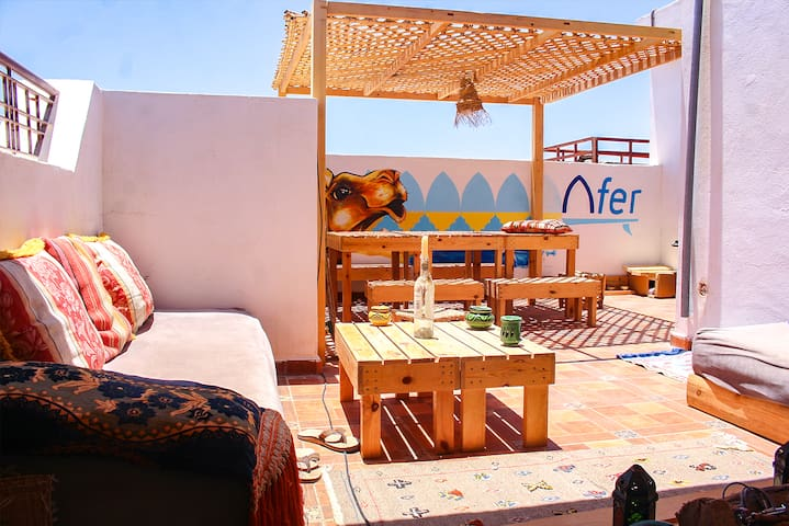 Afer Surf Rooftop. Meet new friends in our cozy terrace.