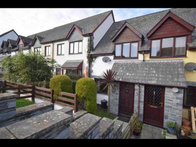 2 bedroom seaside home Boscastle, sleeps 4