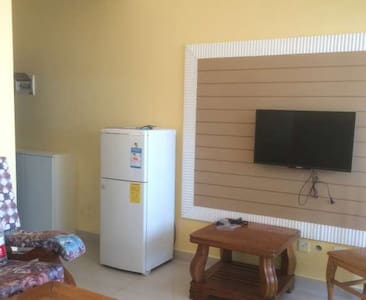 精装修  交通便利   室内配有电视 冰箱 洗衣机 空调 热水器等 可以拎包入住 - Deyang Shi