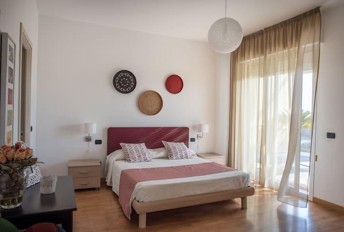 Camera da sogno con terrazza panoramica - Albenga - Flat
