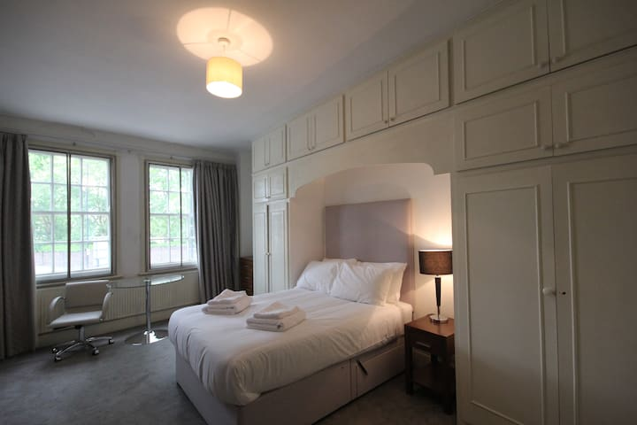 Large Double Room in Regent's Park/St JohnsWood
