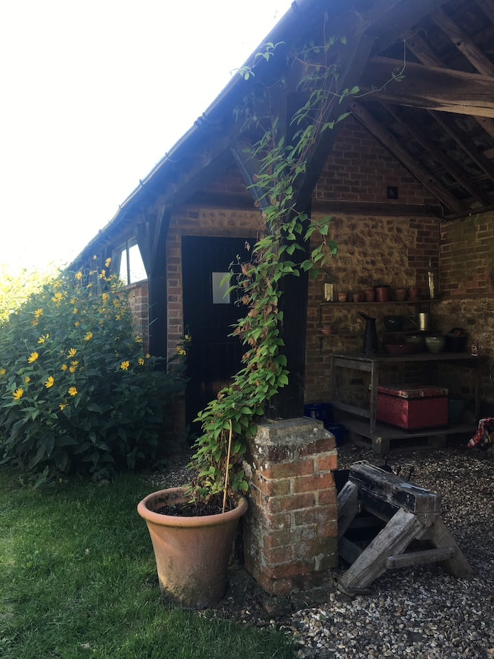 Converted detached barn in an idyllic setting