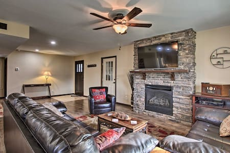 NEW! Creekside Small Town Hideaway; Walk to Trails