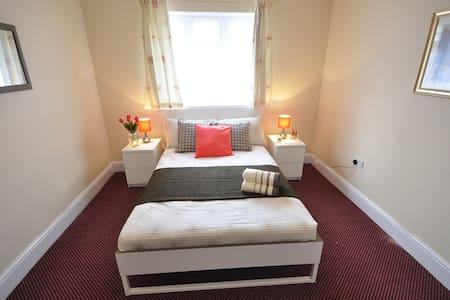 (92AST-4) Private room for 2 near Victoria park - Londres - Apartamento