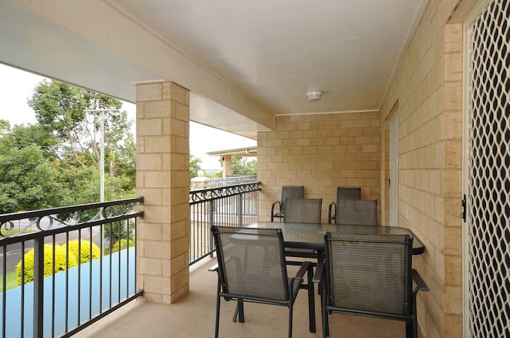 Premium 2 B/rm Apartment - Upstairs