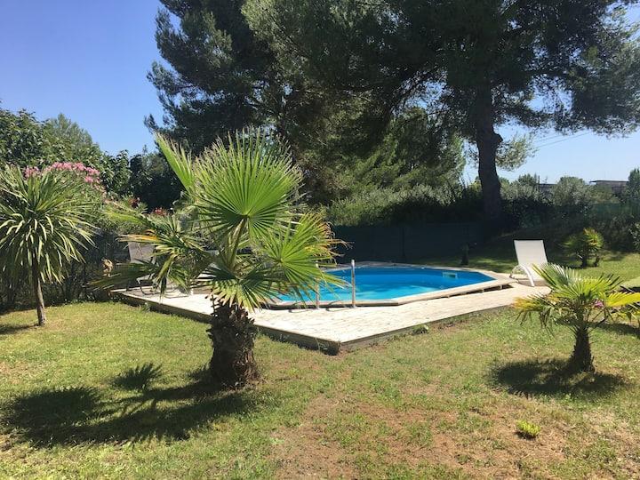 Les Saules - piscine et jardin - Aix en provence