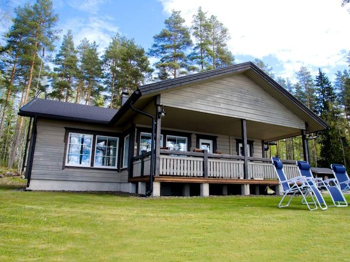 Lokki, an elegant villa on the lake