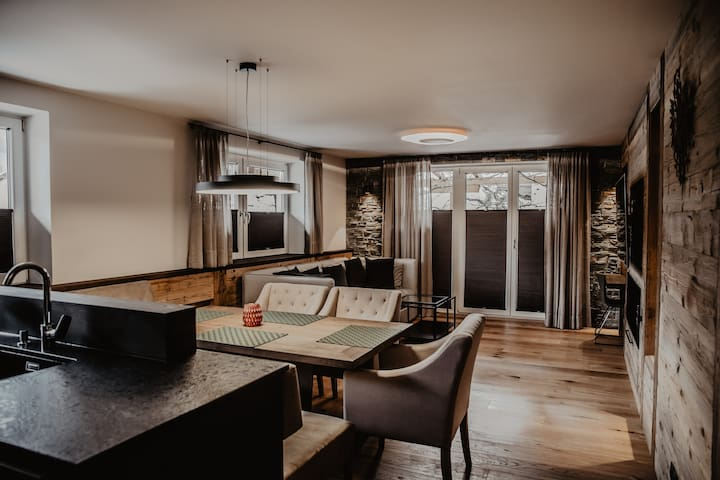 Luxury Appartement-Black Eagle HOME