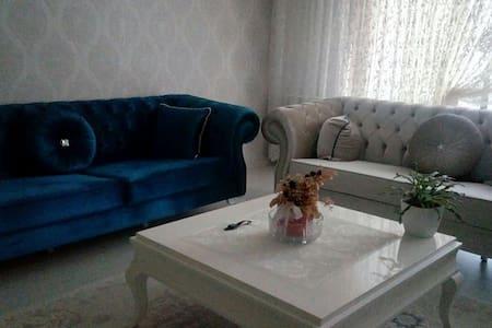 Başkentte modern bir daire, müthiş. - Ankara, TR
