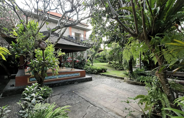 Bale Dangin Bungalow perfect for family of 4-5