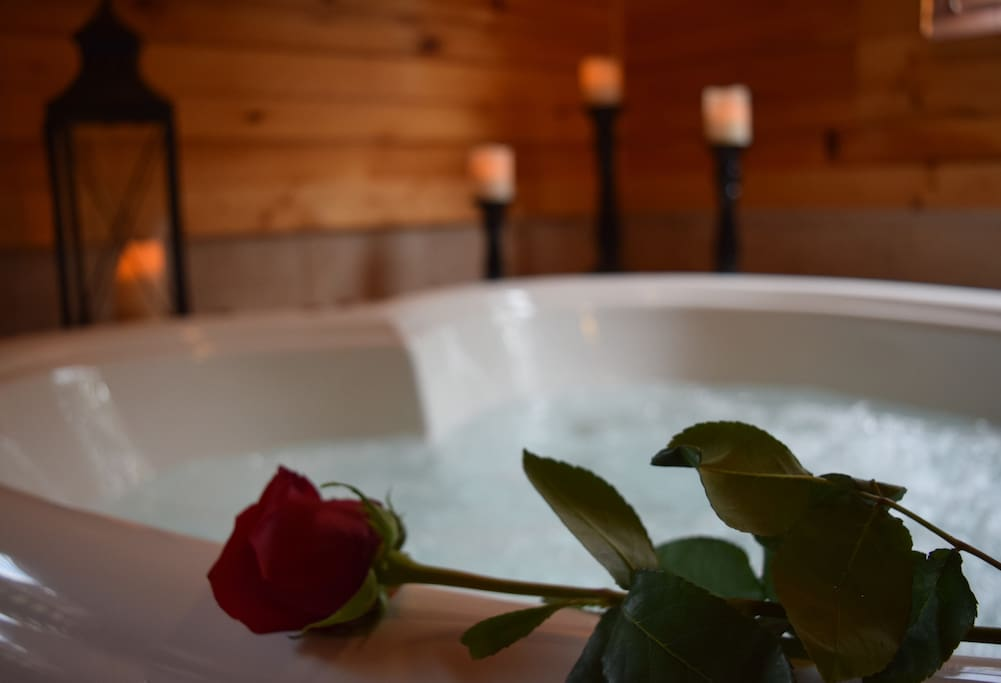 Perfect for your romantic getaway! (Floral services available - inquire for details)