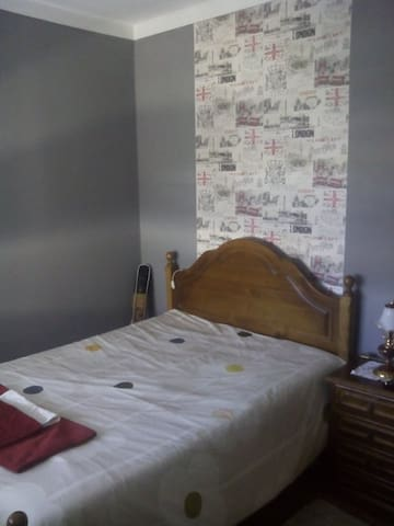 Quarto privado em casa familiar - Barcelos - Bed & Breakfast