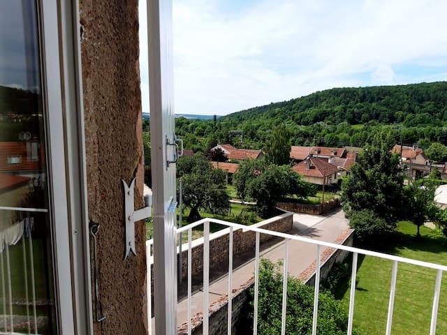 #La Roseraie de Saint-Rémy -Appt 2 La Rose Burgund