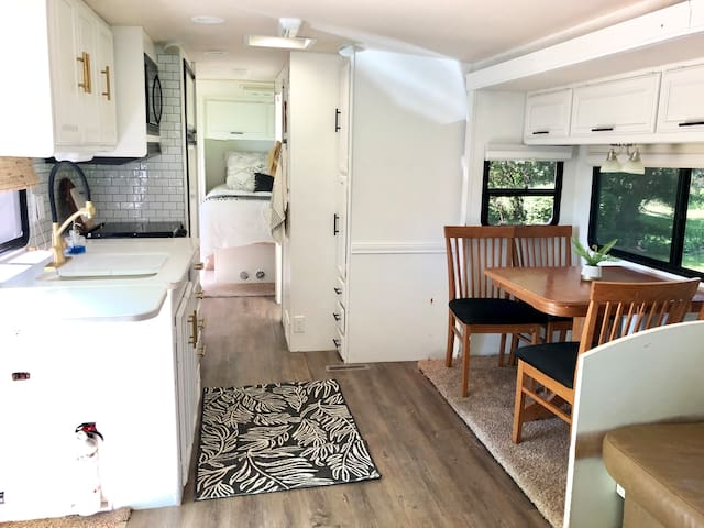Glamping Haven—Beautiful RV (delivered to you!)