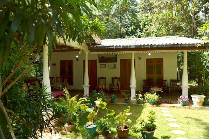 Sigiri Lodge Bed and Breakfast