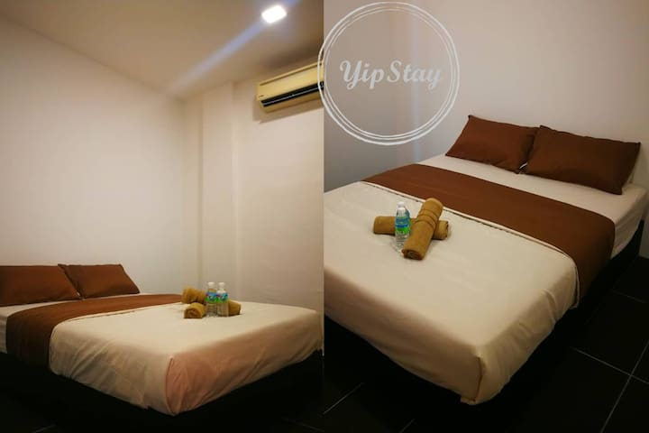 YipStay 106 | Budget Double Room | 2 pax