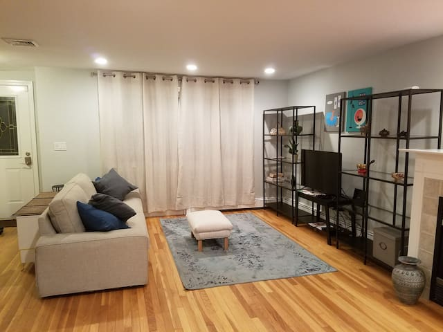 ✡ Sunny Airy 3br w/ Prkg SAFE AREA FAMILY ORIENTED