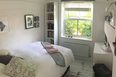 Lovely Scandinavian private bedroom