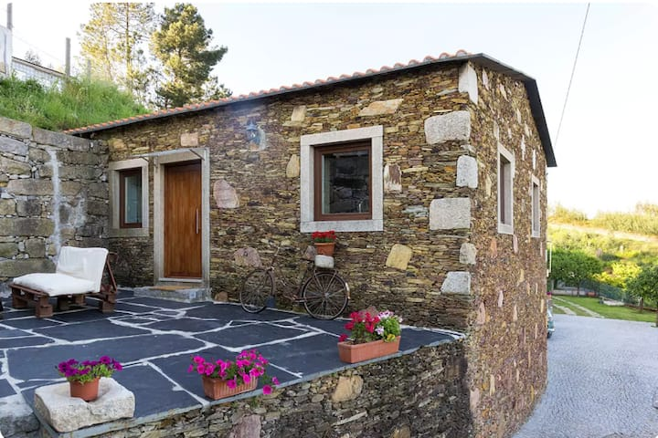 Casa da Casada - Vale do Douro by LW