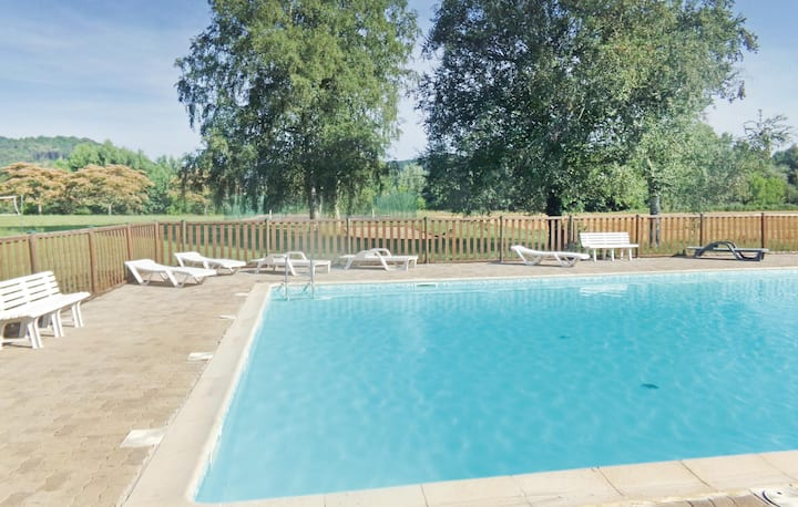 Beautiful home in Limeuil with Outdoor swimming pool and 3 Bedrooms