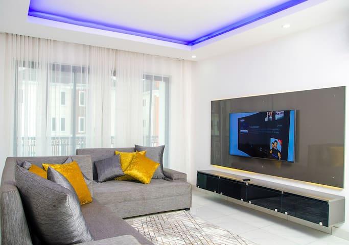 Emiola Mews1A - Western Standard Apartment