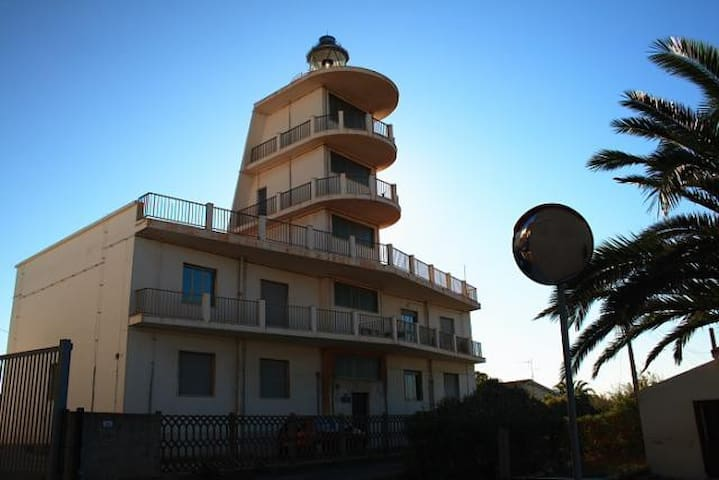 IL FARO(very close to the harbour) - Porto Torres - Lägenhet