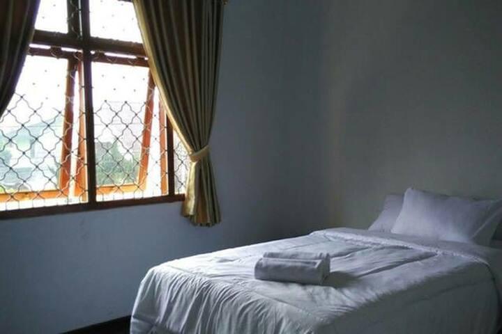 Bedroom for two near Trans Studio