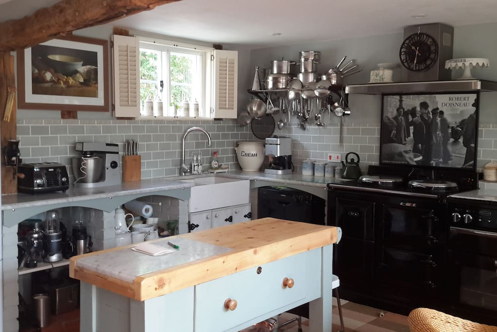 Homely traditional farmhouse kitchen.