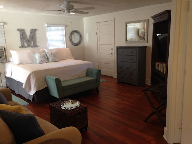Live Oak Studio Apartment - New Smyrna Beach - Pis