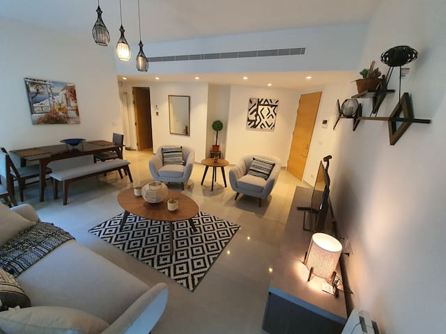 Stylish 2 Bedroom apartment in Hamra Street