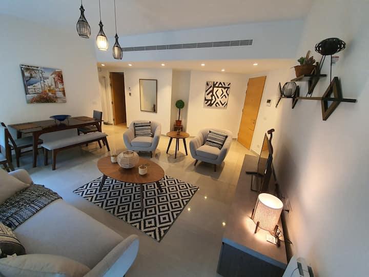 Stylish 2 Bedroom apartment in Hamra Street