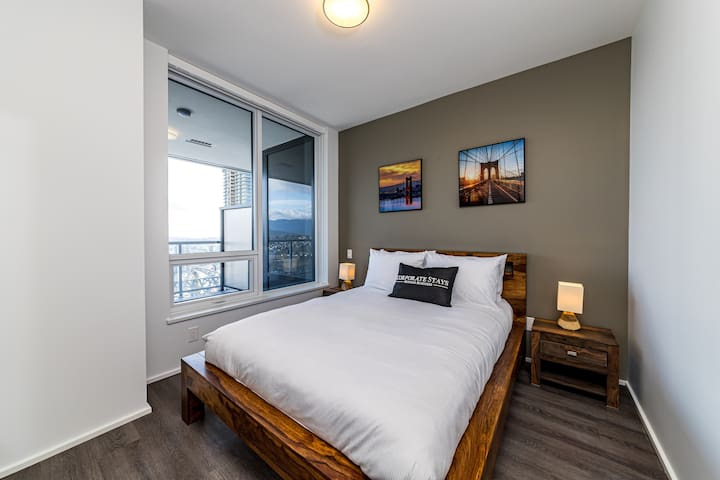 Corporate Stays | Brentwood | Modern 2BR