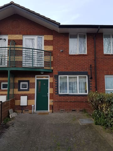 Private room,  free parking near Excel, UEL, O2