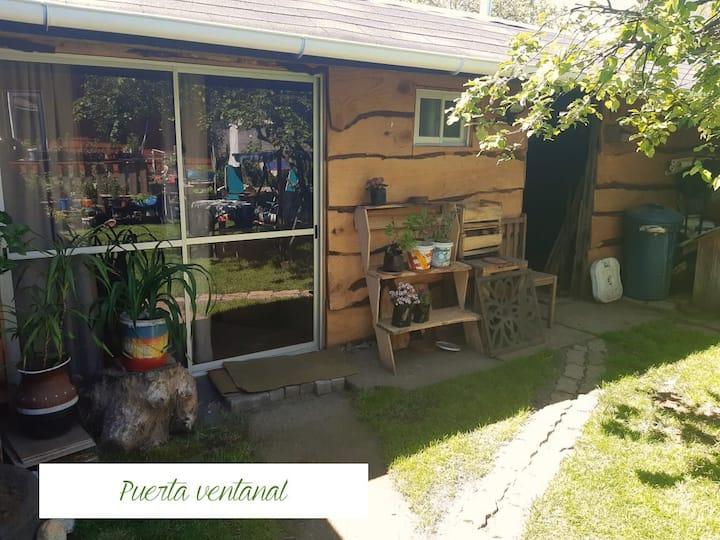 Cabaña nido y jardin