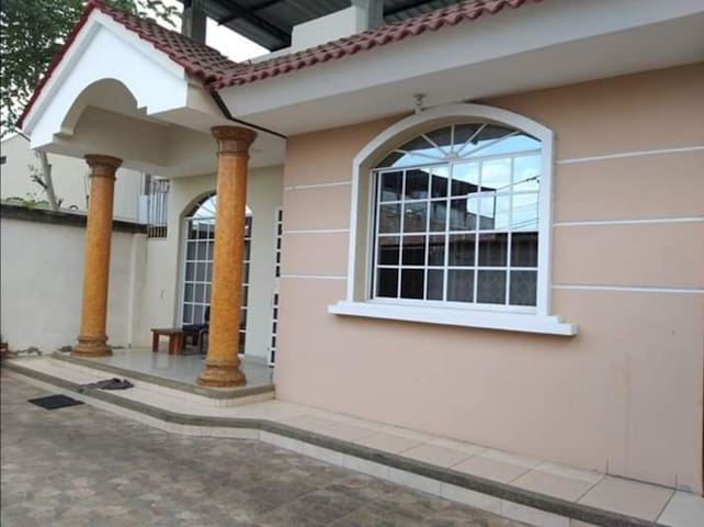 Deluxe House-Manabi