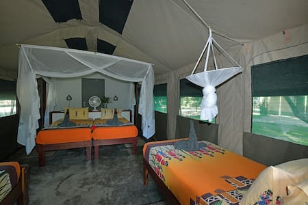 Family Self Catering - Zambezi Mubala Camp