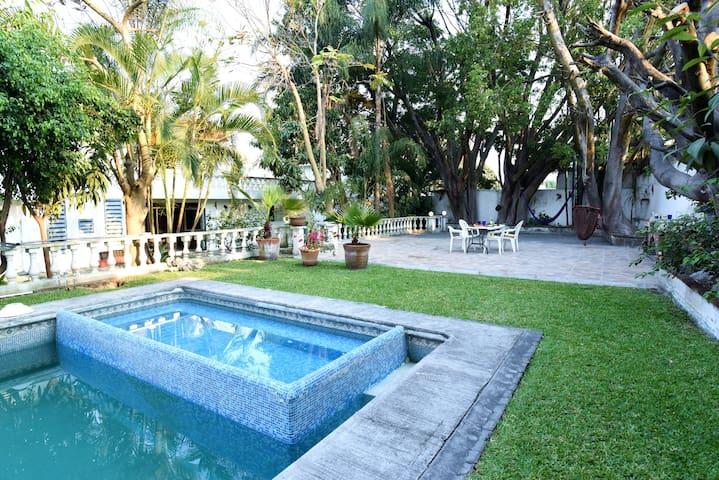 Charming house in Cuernavaca ( 7 - 9 guests.)