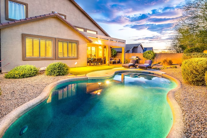 Great Location, Heated Pool, Putting Green, More