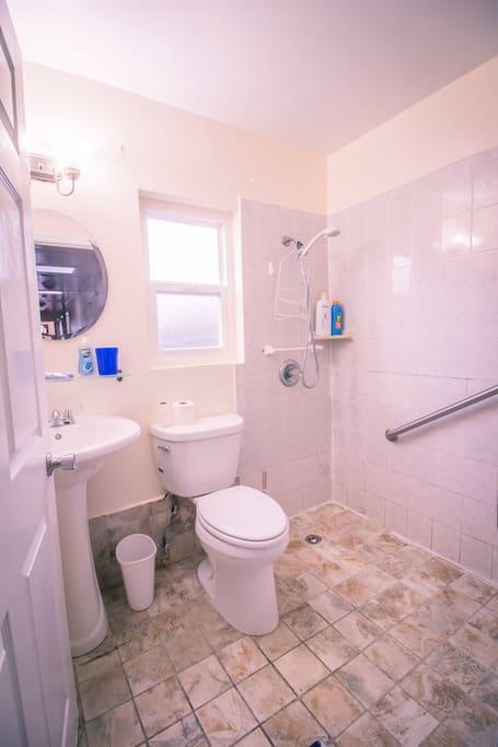 Private batroom