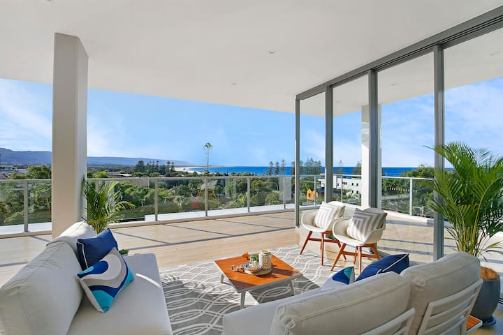 'The Pinnacle' Wollongong's Finest Penthouse