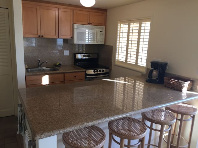 Quality One-Bedroom in Montclair Hills