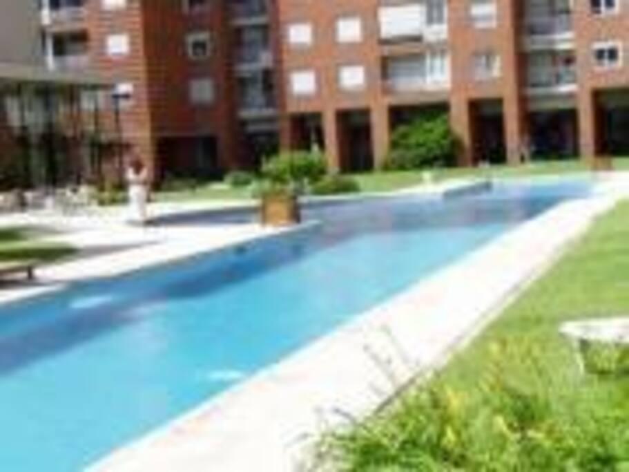 piscina climatizada todo el año