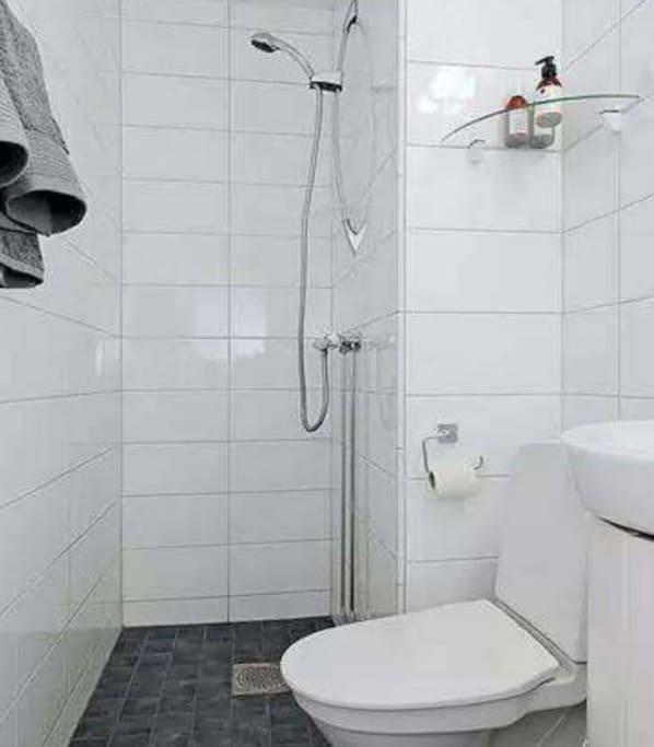 卫生间简洁干净