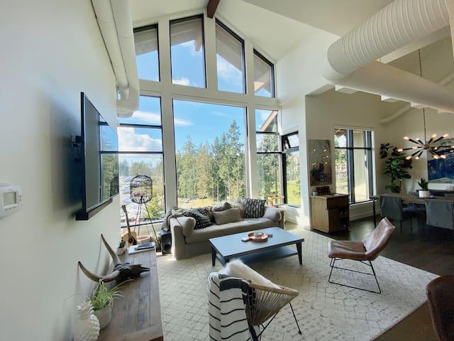 Bear Mountain Penthouse Loft