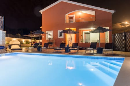 Holiday Home Klarić with(heated) Private Pool ****